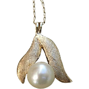 SALE Valentines Special ! Dainty 14 Karat Gold & White Akoya Cultured Pearl Vintage Necklace
