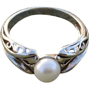 Vintage Cultured Pearl & Sterling Silver Ring - Size 6.75