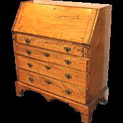 New England Chippendale Tiger Maple Slant Front Desk, circa 1780-1800