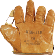 Child's Old Baseball Mitt - Winfield  F33