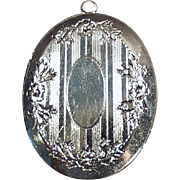 Vintage, Silvertone Locket with Etched Design
