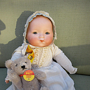 Small Am Dream Baby in Old Clothing
