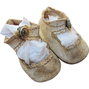"""SOLD White Oilcloth Center Snap Shoes for 13"""" doll"""