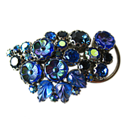 Deep Blue Weiss Floral Rhinestone and Molded Glass Pin / 1950s / Designer Jewelry / Floral Pin