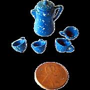 Miniature Graniteware Enamelware Coffee Pot and Mugs / Miniature Cast Iron Dollhouse / Dollhou