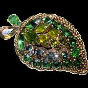 Vintage Weiss Green Rhinestone Leaf Shaped Brooch