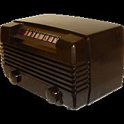 SALE Exceptional 1948 RCA Radiola Bakelite Table Radio, Model 61-8, Art Deco, Refurbished in .