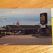 REDUCED Postcard Coach House Inn, Springfield, Missouri