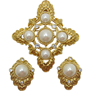 "KJL Kenneth Lane for Avon ""Renaissance Collection"" Imitation Pearl Pin & ER"