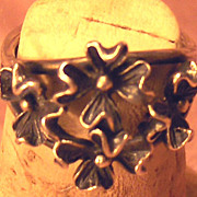SALE Beautifully Crafted Silver Tone Flower Ring Size 6