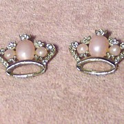 Pair of Pretty Clear Rhinestone and Pink Cabochon Crown Pins