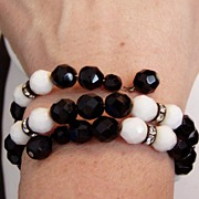 SALE It's All About Vintage Black and White Glass Beads Bracelet and Earrings