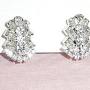 SALE Fabulous White Rhinestones Clip earrings