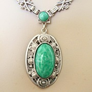 REDUCED Wonderful Art Deco Peking Glass Necklace