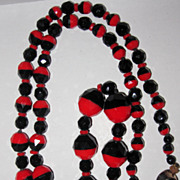 SALE Art Deco Bi-Color Black and Red Glass Necklace
