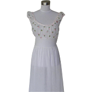 1950s Vintage Floral Embroidered Nightgown