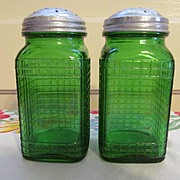 Owens Illinois Forest Green Ridge Pattern Pantry Spice Shakers