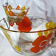 Retro Federal Glass Flower Power Chip 'N Dip Set