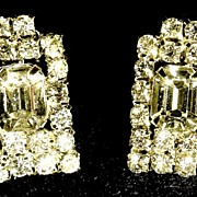 Vintage Silver Toned Sparkling Clear Crystal Rhinestone Costume Jewelry Rectangular Shaped Cli