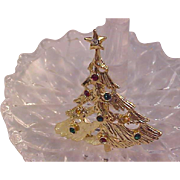 SALE Festive Rhinestone Open Workmanship Gold Plate CHRISTMAS Tree Brooch