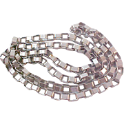 SALE UNIQUE~CHARMING Oval Joined Silver-Plate chain link Necklace.