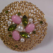 SALE PERIDOT-Simulated PEARL & PINK Glass Cabochon Sarah Coventry Brooch/Pin