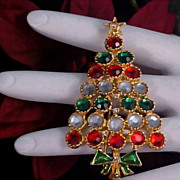 SALE Bezel Set Rhinestones CHRISTMAS TREE Gold Plate Brooch/Pin
