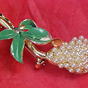 SALE ART DECO Tiny Simulated Seed Pearls Gold Plate & Enamel Brooch