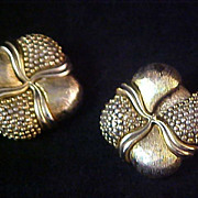 SALE OSCAR de la RENTA Antiqued Gold Plate Clip Earrings