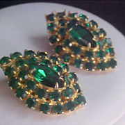 SALE STRIKING ~  Emerald Green Rhinestone Gold Plate Clip Earrings