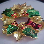 SALE GERRYS Signed Christmas Wreath Enamel & Gold Plate Brooch/Pin