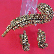 SALE WEISS ~ Gold Aurum Rhinestones ~ Ornate Brooch & Clip Earrings