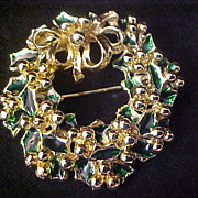 SALE REDUCED ~ TANCER II ~  Green Enamel HOLLY Christmas Wreath Gold Plate Brooch