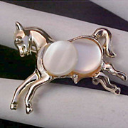 SALE Free Ship ~ 1930's Mother-of-Pearl & Light Gold Plate Brooch/Pin