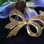 SALE Dimensional Textured Rope BOW Brooch