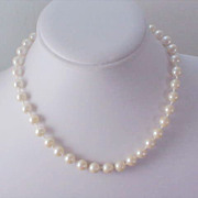 SALE 1940's String of pearls!Simulated Creamy Choker~10 mm  Choker/Necklace