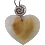 SALE ALI-KAHN of NEW YORK Genuine shell MOP Hearts Pendant & Chain