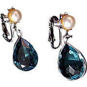 SALE DAZZLING  Pear Cut Art Glass  BLUE TOPAZ Faceted Bezeled Silver Plate Clip Earrings