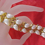 SALE CROWN TRIFARI Simulated Pear Pearl Cabochons & Aurora Borealis Gold Plate Link Bracel