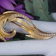 Lovely Pave Diamante &  Gold Plate PLUME Brooch