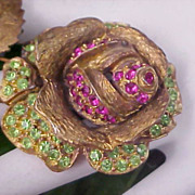 SALE SPECTACULAR  Dimensional Open  ROSE ~ Fuchsia & Peridot Rhinestone Old Antiqued Gold