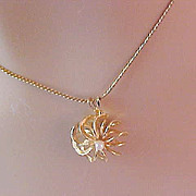 SALE Genuine PEARL~Dimensional  Windmill design~Gold Plate Medallion & Gold Plate Supple Chain