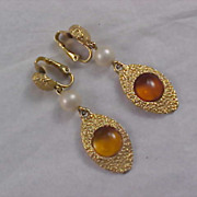 SALE Art Glass Topaz & Textured Gold Plate Simulated Pearl Clip Earrings