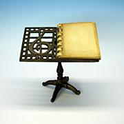 Vintage miniature cast iron music stand photo holder