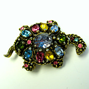 Vintage signed Hollycraft jeweled Turtle brooch