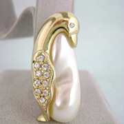 REDUCED Vintage MARVELLA Faux Pearl Belly Rhinestone Penguin Pin