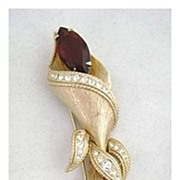 "REDUCED Vintage Long & Lovely SARAH COVENTRY ""High Fashion"" Pin"