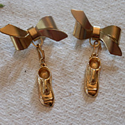 Pair of Pin-on Bow Brooch with Shoe or Slipper Pendant