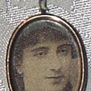 REDUCED Photo Locket, 10 Carat, Late Victorian