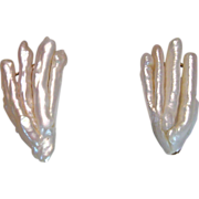 REDUCED Fine Vintage Finger Shaped Freshwater Pearl and 14 kt Yellow Gold Earrings